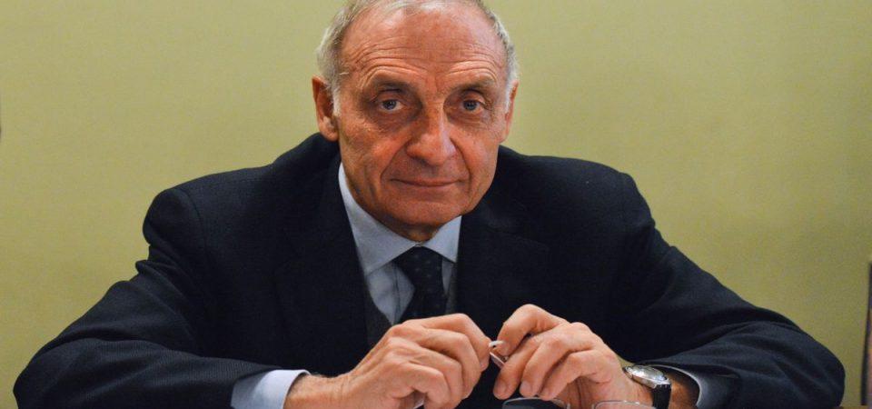 Maroni, il referendum della Lombardia era solo una sceneggiata