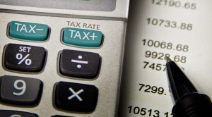 Conti delle tasse da fare per il fisco