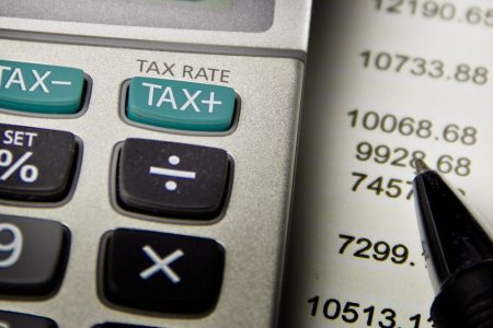 Fattura elettronica e Spesometro: decreto fiscale in arrivo