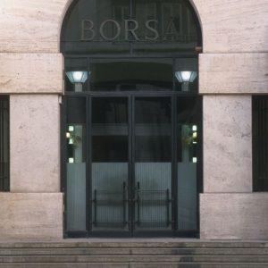 Fca e Banca Generali svegliano la Borsa, su Moncler e Recordati