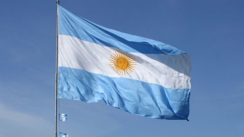 Argentina: arrivano nuovi bond per 15 mld