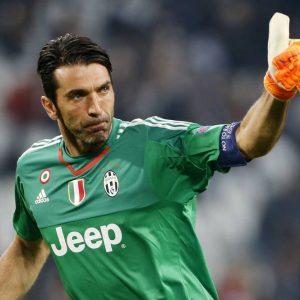 La Juve batte il Sassuolo con Dybala e Buffon da record