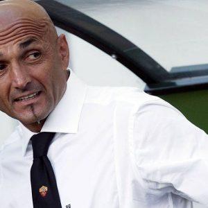 Roma straripante: domina la Fiorentina (4 a 1) e consolida il terzo posto