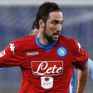 Roma-Napoli per la Champions: Higuain sì, Totti no