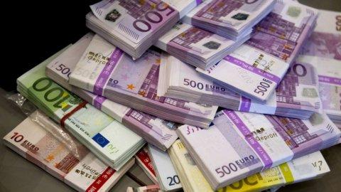 Pwc: Italia, un'azienda su 5 vittima di frodi economiche