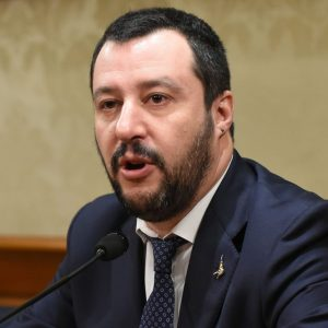 Referendum M5S: processare Salvini o no?
