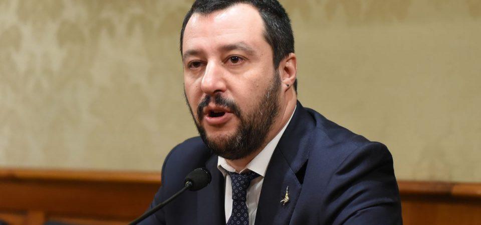Salvini alza i toni con la Francia. E annuncia flat tax nel 2018