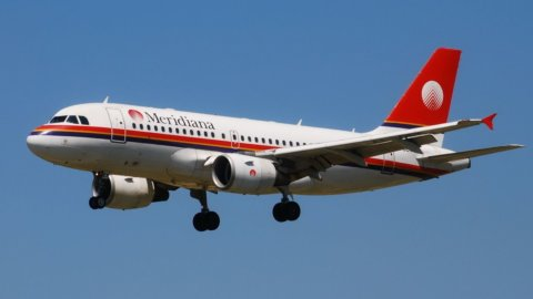 Aerei, il 49% di Meridiana passa a Qatar Airways