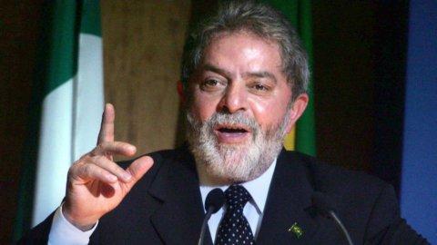 Brasile, Lula non si costituisce: lo arresteranno?