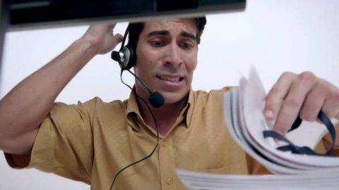 Call center, via al codice etico: niente chiamate nei festivi
