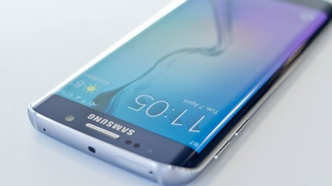 Samsung, utile da record e cambio al vertice