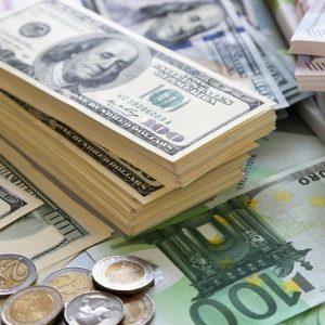 Usa e Germania, duello al G20 e il dollaro scende