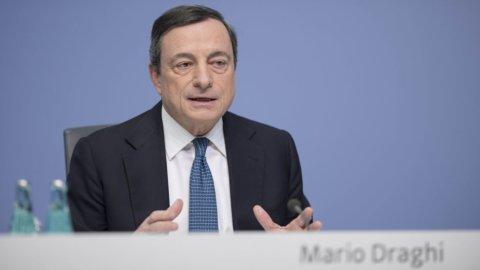 """Bce, Draghi: """"L'euro forte pesa sull'inflazione, serve ancora il Qe"""""""