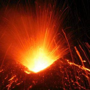 Etna: 10 feriti, i video dell'eruzione