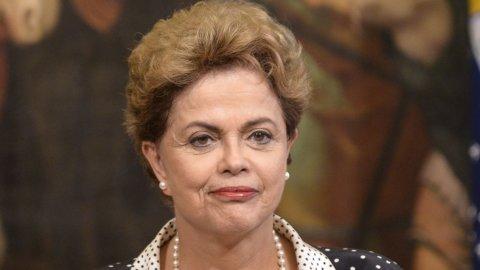Brasile, bufera su Dilma: scontri in piazza