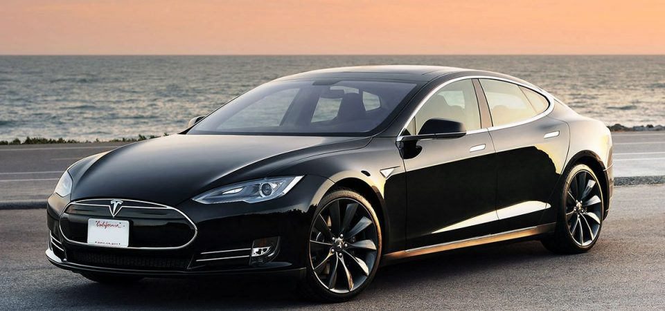 Tesla: al via la Gigafactory in Cina per la mini elettrica