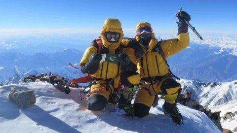 """INTERVISTE DEL WEEKEND – Simone Moro: """"E' più  facile scalare l'Everest che cambiare l'Italia"""""""