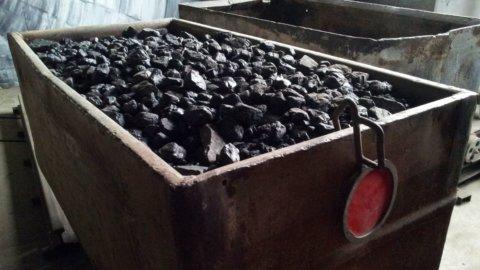 Energia: carbone in calo ma è sempre leader per produrre elettricità