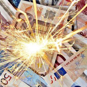 Borsa, Milano brilla con Fca e Telecom. Spread sotto 250
