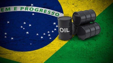 Petrolio in picchiata, scintille in Brasile