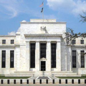 La Fed gela i listini, ma lo spread scende ancora