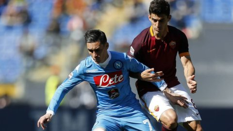 Roma e Napoli, sfida a distanza per il secondo posto