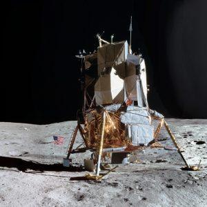 Piacenza, esposto un frammento originale del suolo lunare