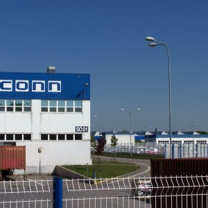 Lavoro: Foxconn sostituisce 60mila dipendenti con dei robot