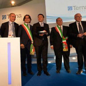 Renzi inaugura l'elettrodotto da record di Terna che unisce la Sicilia al continente