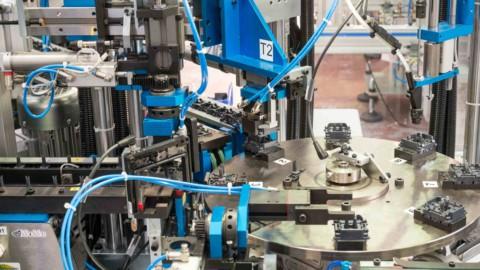 Macchine utensili, robot, automazione: una politica per le imprese