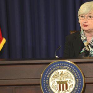 Borsa: avvio con l'occhio a Fed e BoJ, trimestrali e stress test