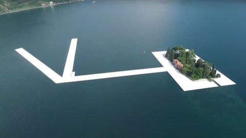 Lago d'Iseo, Christo: in migliaia passeggiano sull'acqua