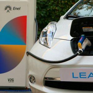 Mobilità elettrica: 130 colonnine Enel per la ricarica veloce