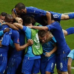 Euro 2016, una grande Italia batte la Spagna e allevia i dolori di Brexit e Borsa