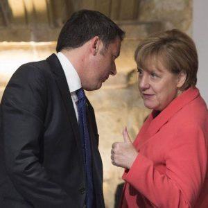 """Maranello, Merkel a Renzi: """"Europa troverà soluzione ragionevole su flessibilità"""""""