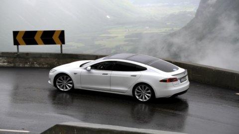Tesla torna all'utile: +21,9 milioni nel III trimestre