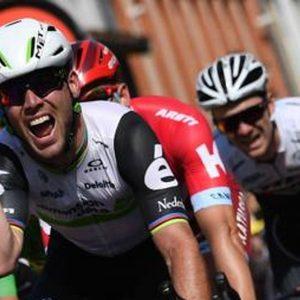 Tour: Cavendish, tris da record