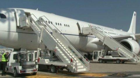 L'Air-Renzi debutta in volo verso Cuba (VIDEO)