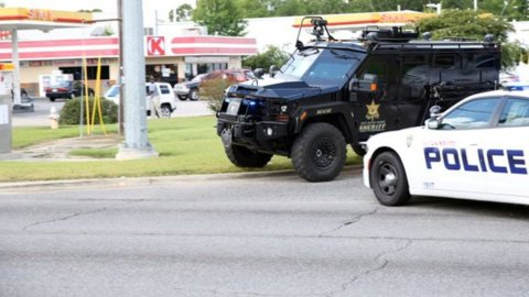 Louisiana, spari contro polizia: morti tre agenti