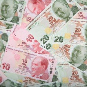 Borsa chiude positiva con Tech e auto. Istanbul ko