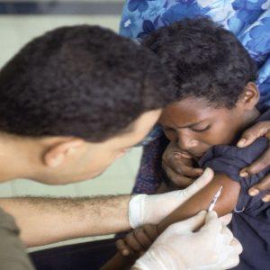 Vaccini: radiati i medici che li sconsigliano