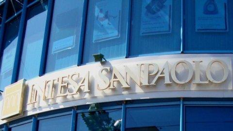 Intesa Sanpaolo, utile netto oltre le attese: 901 mln nel 2° trimestre
