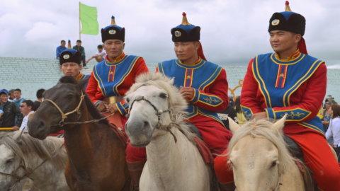 La Mongolia non fa scuola: i tassi restano bassi ovunque