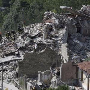 Terremoto, soccorsi: 7mila uomini e donne in campo