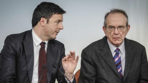 """Manovra, Renzi: """"Né tagli Sanità né tassa sigarette"""". Ma l'Iva fa paura"""