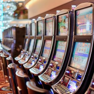 Giochi, slot machine presto  via da bar e tabaccherie