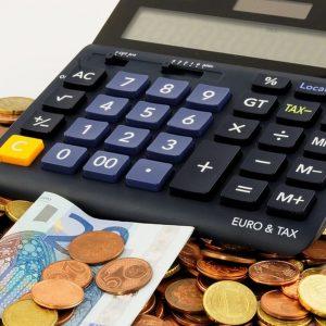 Debito pubblico, non abbassare la guardia e allungare le emissioni di bond