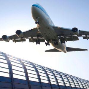 Ryanair, EasyJet, Lufthansa: aerei a terra per il Covid-19