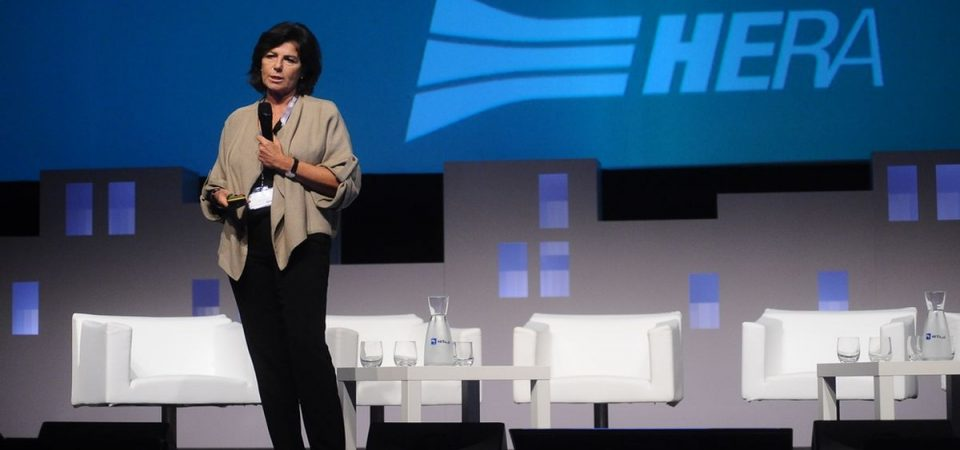 Hera, dalla plastica riciclata la produzione di nuove tubature