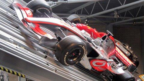 Apple vuole comprare la McLaren